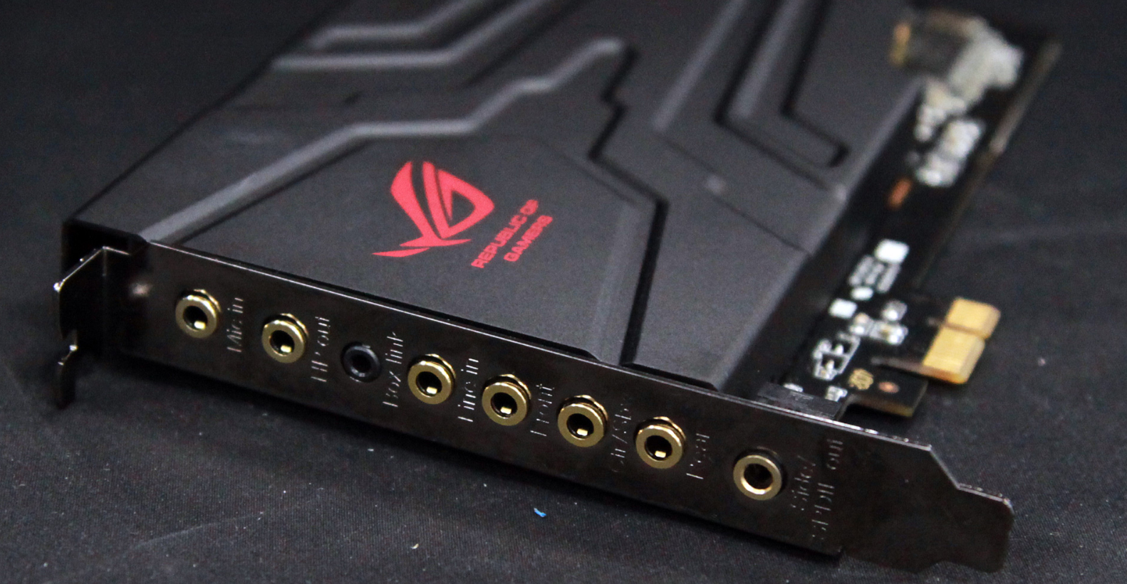 Asus Xonar U7 Sound Card Has A Built In Headphone Amp