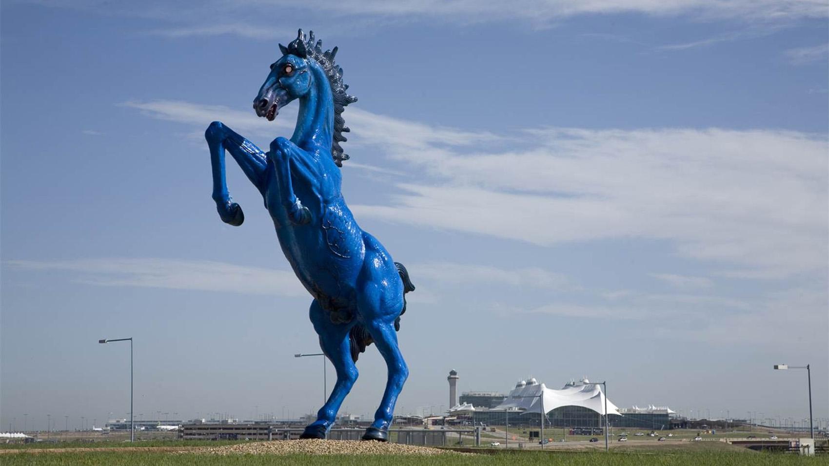 dia-blue-horse