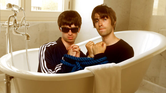 Liam And Noel Gallagher Canu0027t Even Agree On Whether Or Not They Pooped In A  Bathtub In 1989